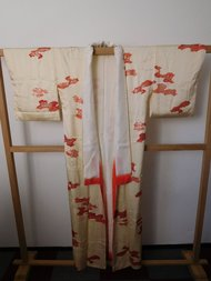 Traditionele Japanase Kimono creme droom rode wolkjes zilver