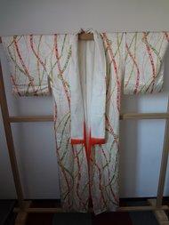 Traditionele Japanse Kimono wit met rode en groene lijnen