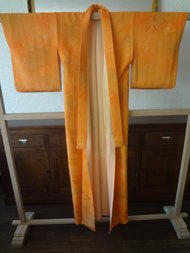 Traditionele Japanse Kimono Oranje bloemmotief