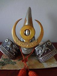 Genji Kabuto Samurai helm Japan  Gewicht: 4 kg Diameter: 23.5 cm 30.5 cm Hoog