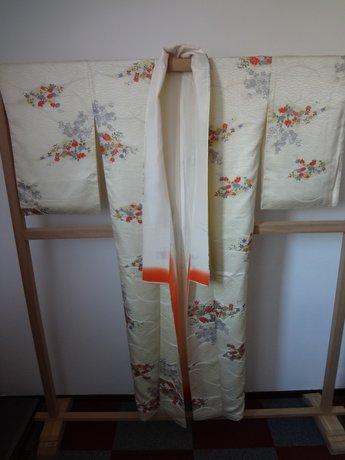 Traditionele japanse vintage kimono bloem witte lijnen lengt