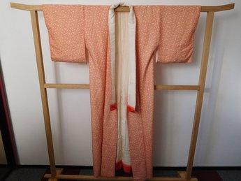 Traditionele Japanse Kimono rood witte bloemetjes