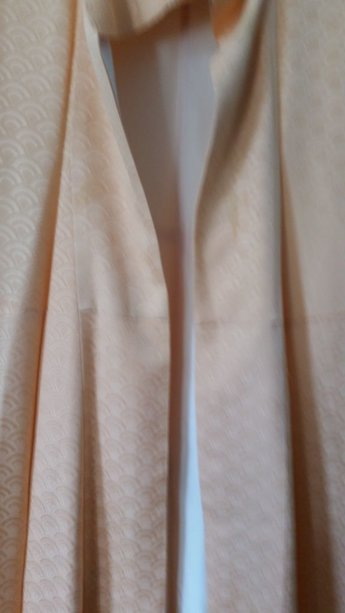 Traditionele Japanse kimono zalm, boogjes