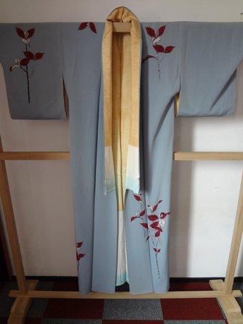 Traditionele Japanse Zijden Kimono licht blauw rode bloem