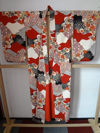 Traditionele Japanse Zijden Kimono Aka Hana Japan Rood showa