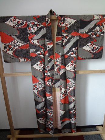 Traditionele japanse kimono zwart grijs rood hana japans